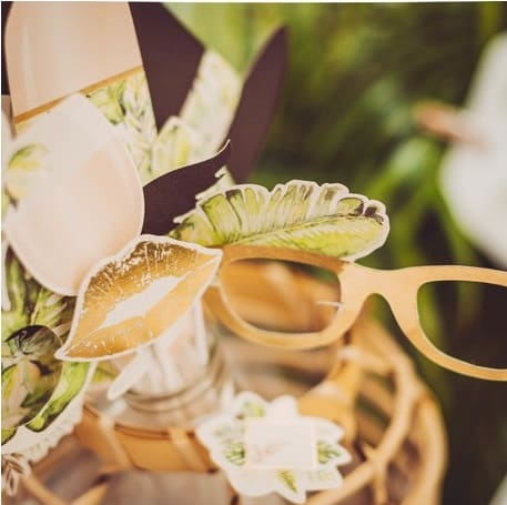 mariage tropical photobooth accessoires