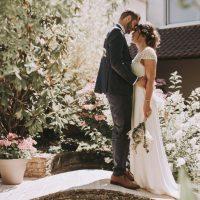 Interview : Choisir sa robe de mariée petit budget en France – Mariage de Marine et Valentin