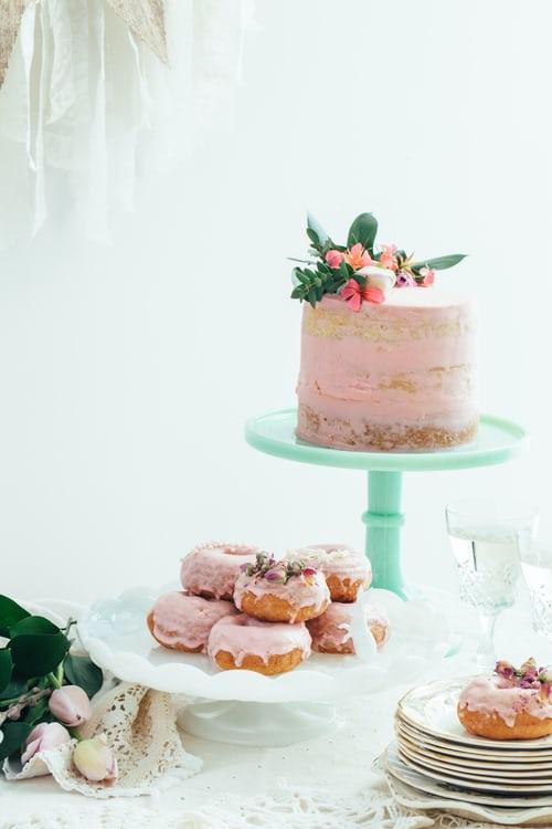 mariage rose donuts naked cake